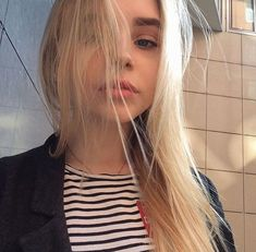 Image in girls collection by aslı on We Heart It Pretty People, Beautiful People, Tmblr Girl, Photos Tumblr, 4 Photos, Girl Meets World, Ulzzang Girl, Aesthetic Girl, Her Hair
