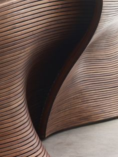Bildresultat för wall panels wavy in wood Design Café, Deco Design, Wood Design, Plan Design, Design Elements, Curved Wood, Curved Walls, Wood Panel Walls, Wooden Walls