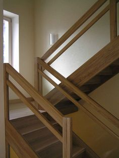 New farmhouse staircase decor stairways ideas Wooden Staircase Railing, Stair Railing Design, Home Stairs Design, Interior Stairs, Modern Stair Railing, U Shaped Stairs, Balustrades, Glass Stairs, Building Stairs