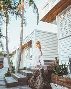 42 Catchy Breeze Block Ideas for Beautiful Home Style – Breeze Blocks Byron Bay Beach, Breeze Block Wall, Weatherboard House, Surf House, Dream House Exterior, Beach Bungalow Exterior, Beach Bungalows, Beach Shack, Facade House
