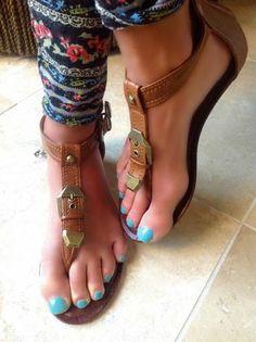 "Coconut Island Ruby Sandals Back Zip Gladiator T Strap Luggage Tan 1 25"" Wedge   eBay"