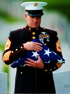 Honor the fallen Once A Marine, Marine Mom, Us Marine Corps, Military Love, Military Police, Military Spouse, Military Photos, Military Veterans, Military Uniforms