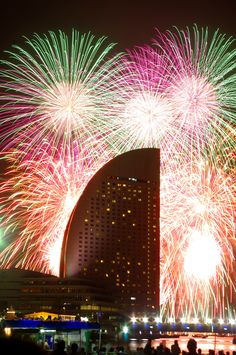 https://flic.kr/p/wYPA5K | Yokohama, Japan fireworks 2015 Intercontinental hotel