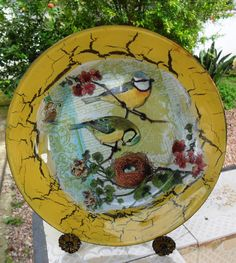 Eco Design by Carlos Rossi Decoupage Plates, Napkin Decoupage, Painted Plates, Hand Painted, Centerpiece Decorations, Teller, Creative Decor, Fabric Painting, Altered Art
