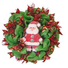 Christmas Wreath Tutorial using Deco Poly Mesh, Pencil Ball Work Wreath and RAZ Christmas Cookie Decorations