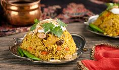 Everyday Skillet Chicken Biryani - In the Kitchen with Stefano Faita - Weekdays at PM / PM NL Top Recipes, Rice Recipes, Indian Food Recipes, Great Recipes, Chicken Recipes, Dinner Recipes, Cooking Recipes, Healthy Recipes, Ethnic Recipes