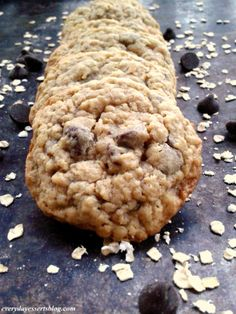 Everyday Desserts: Chocolate Chip Oatmeal Cookies