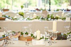 Tables bougies et lierre