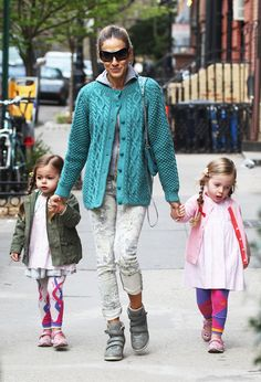 Sarah Jessica Parker in blue cable net cardigan with her cute twin