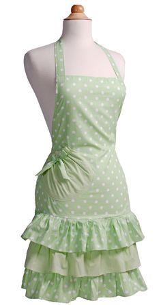 Cute Vintage Apron, mint green with polka dots! Also comes in pink. $25.95 #vintageapron #aprons