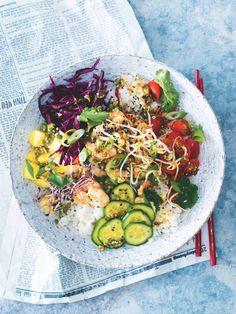 Poke bowl s krevetami Poke Bowl, Cobb Salad, Food, Pineapple, Essen, Meals, Yemek, Eten