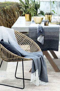 Sengesæt og dynebetræk - H&M Home Outdoor Spaces, Outdoor Chairs, Outdoor Living, Outdoor Furniture Sets, Outdoor Decor, Outdoor Tiles, Ceramica Exterior, Grands Pots, Scandi Chic