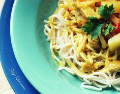 http://mojequlinaria.blogspot.com/2013/10/kurczak-w-curry-z-ananasem-i-makaronem.html