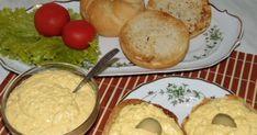 Hozzávalók: 6 db keményre főzött tojás 1 fej hagyma 5 dkg vaj 2 evőkanál tejföl 1 evőkanál mustár Só, bors, zöld fokhagymas... Bagel, Mashed Potatoes, Hamburger, Sandwiches, Dairy, Appetizers, Cooking Recipes, Bread, Cheese
