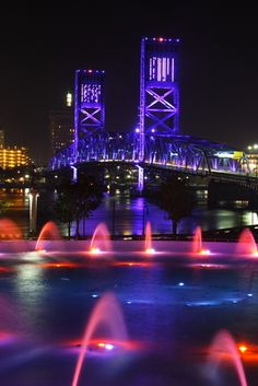 Picture - Fountains and bridge at night in Jacksonville. | PlanetWare