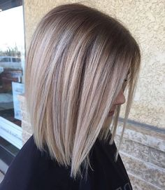 I love the cut and colour - Balayage Haare Blond Kurz Balayage Straight Hair, Balayage Hair, Blonde Bob Hairstyles, Straight Hairstyles, Blonde Dye, Blonde Hair, Hair Day, New Hair, Medium Hair Styles