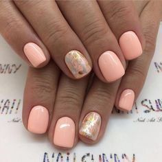 Semi-permanent varnish, false nails, patches: which manicure to choose? - My Nails Spring Nails, Summer Nails, Summer Nail Polish, Design Ongles Courts, Short Gel Nails, Vacation Nails, Dipped Nails, Yellow Nails, Nagel Gel