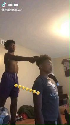 Funny Black People, Funny Black Memes, Funny Vidos, Funny Laugh, Stupid Funny, Crazy Funny Videos, Funny Video Memes, Seriously Funny, Really Funny Memes