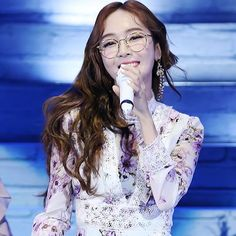 "Her smile is so beautiful omg istg even if I'm not Jessica-biased (which why would anyone be ☺️) I can confidently say, her visuals are just as incredible as her talents ❤️ •~• 170729 2017 JESSICA ""ON CLOUD NINE"" 1ST MINI CONCERT IN TAIWAN 