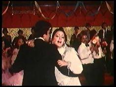 Jhoota Kahin Ka is a 1979 Bollywood film directed by Ravi Tandon. It stars Rishi Kapoor and Neetu Singh in pivotal roles. Shiv Raj, Kishore Kumar Songs, Indian Movie Songs, Neetu Singh, Asha Bhosle, Rajesh Khanna, Rishi Kapoor, Indian Music, Old Song