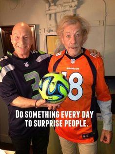 Sir Patrick Stewart and Sir Ian McKellen were a little confused about the Super Bowl.<<<< Ian McKellen is wearing the wrong jersey! Patrick Stewart, Maisie Williams, Josh Boone, Charlie Heaton, Sir Ian Mckellen, Sinclair, Netflix, Football Gear, Football Jokes