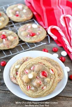 white chocolate + peppermint m+m cookies