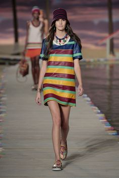 Gigi and Bella Hadid Are Caribbean Babes for Tommy Hilfiger via @WhoWhatWearUK