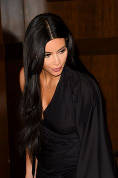Kim Kardashian, Kardashian Dresses, How To Look Handsome, Celebs, Celebrities, Queen, Fall Hair, Pretty Woman, Celebrity Style