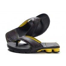 Nike Shox R4 Mens Slippers Black Yellow