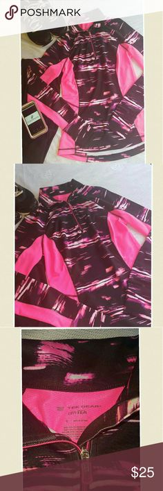Tek Gear Workout Jacket ??NWT Active wear jacket by Tek Gear ??Bright Pink and Black ??Material Content : 92% Polyester and 8% Spandex ??Comftable Wear w/ thumb holes in the sleeves ??Pullover Jacket Tek Gear Tops Sweatshirts & Hoodies