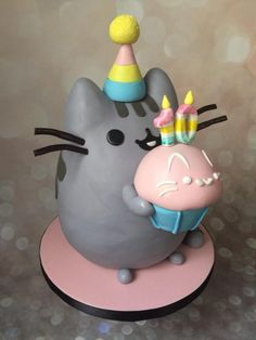 pusheen with a cupcake, robyn loves cake Yellow Birthday Cakes, Birthday Cake For Cat, Dog Cakes, Cupcake Cakes, Beautiful Cakes, Amazing Cakes, Pusheen Cakes, Gato Pusheen, Pusheen Birthday