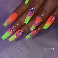 Want some ideas for wedding nail polish designs? This article is a collection of our favorite nail polish designs for your special day. Cute Gel Nails, Dope Nails, Bling Nails, Swag Nails, Bling Nail Art, Grunge Nails, Crazy Nails, Art Nails, Pretty Nails