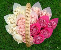 Gorgeous ombre pink confetti baskets for bridesmaids or flower girls to carry.  http://www.confettidirect.co.uk/index.html