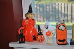 Gurley Halloween candles. I have the little pumpkin with the witch hat. :)