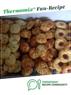 Recipe 100 Biscuits - known in our family as 'Aunty Jenny's Biscuits' by iThermo, learn to make this recipe easily in your kitchen machine and discover other Thermomix recipes in Baking - sweet. 100 Cookies Recipe, Cookie Recipes, Snack Recipes, Biscuit Cookies, Biscuit Recipe, Bellini Recipe, Thermomix Desserts, Health Snacks, Desert Recipes