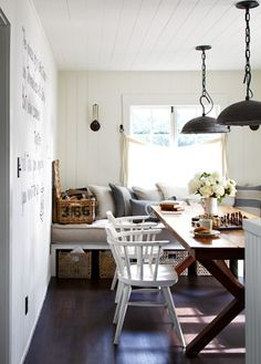 House Tour: California Beach House        Just the dining table I'm looking for