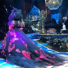 Mais é mais na Alta Moda da Dolce & Gabbana (Foto: Reprodução/Instagram)