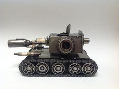 Tanque de guerra. Arte en metal reciclado.