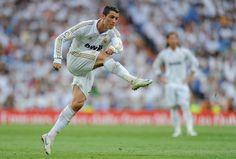 Ronaldo...esa es la manera de patear!