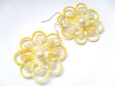 Handgemachte tatted Ohrringe hergestellt aus gelb von carmentatting