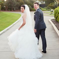 Ria and Ben | Real Wedding | Ben is dressed by Ferrari Formalwear Photo: T-One Image | Groom | Groomsmen | Suit | Bride | Wedding