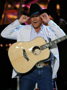 I love how George fits into those Wranglers.even better than the back. George Strait Family, Joyce Taylor, Country Music Artists, Country Singers, Donny Osmond, A Course In Miracles, Lucky Ladies, King George, Music Tv