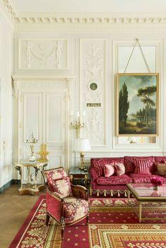 The Imperial Suite's bathroom is modeled after Marie Antoinette's at Versailles. - ELLEDecor.com