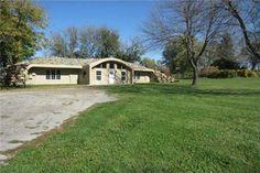 20740 W 199th St, Spring Hill, KS 66083