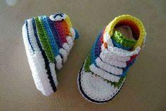 Super Cute Crochet for Little Feet! Super Cute Crochet for Little Feet! Crochet Gifts, Cute Crochet, Crochet For Kids, Crochet Lace, Knit Shoes, Crochet Baby Booties, Estilo Nike, Baby Lovies, Baby Boy