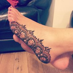 "3,628 Likes, 69 Comments - Kiran Sahib Mehndi Artist (@kiransahib_henna) on Instagram: ""The finished piece, it's a teeny bit wonky because the lovely @ams89 was sitting at a funny angle…"""