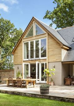 Liz and Dan Burgess won the 2013 Homebuilding and Renovating awards with this conversion – Home Renovation