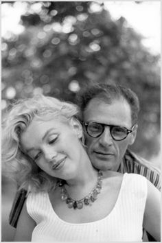 Marilyn and Arthur - photo Sam Shaw 1957