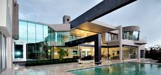 Huge Modern Home In Hollywood Style By Nico van der Meulen Architects