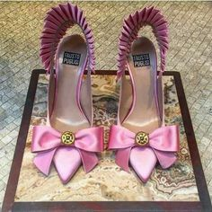 Women's shoes, pink heels, heels, shoe lover Source by adelinacakaj shoes Fab Shoes, Dream Shoes, Pretty Shoes, Beautiful Shoes, Cute Shoes, Me Too Shoes, Shoes Heels, Pumps, Hello Beautiful